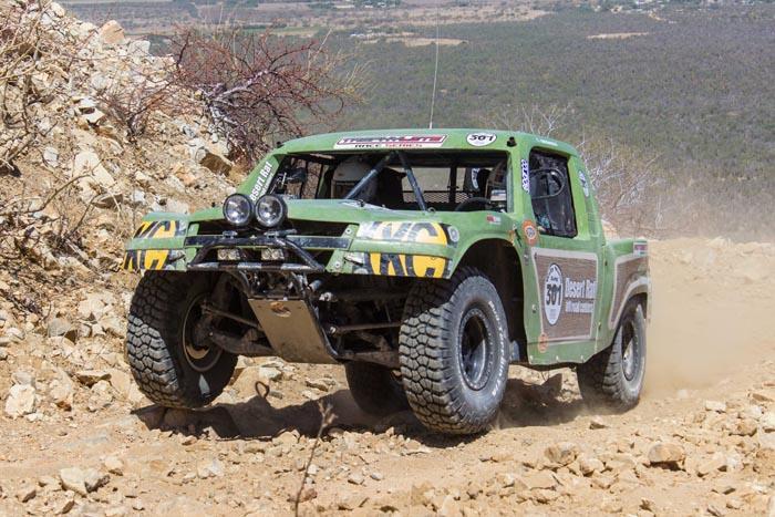 Team Desert Rat making it look easy.